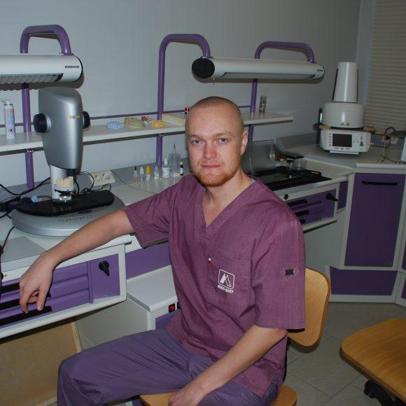 зубной техник (стоматология ортопедическая)